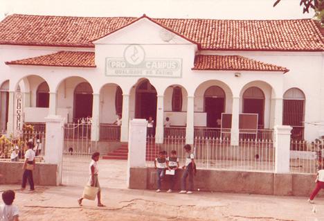 Antiga unidade na Av. Frei Serafim (Hoje Hotel Metropolitan)
